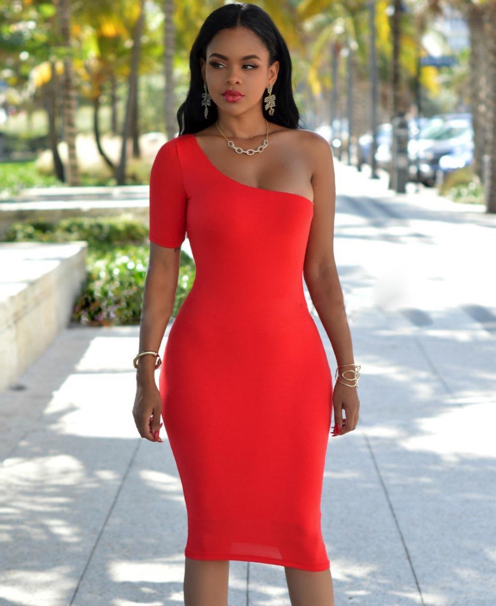 Платье футляр красное для полных