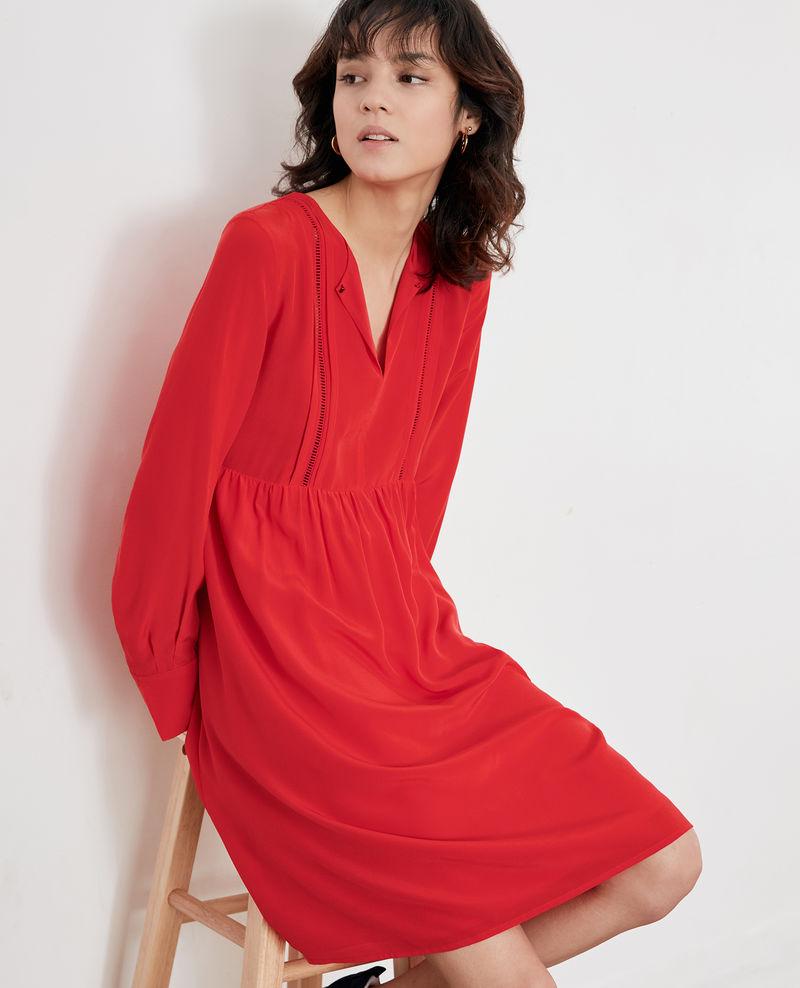 Шелковое платье красное повседневное
