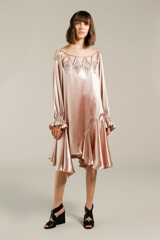 Шелковое платье с кристаллами