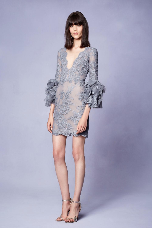 Платье футляр кружевное серое