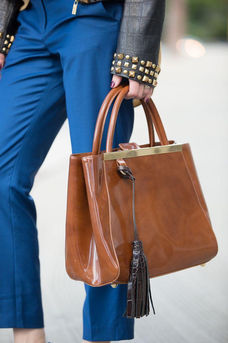Классическая сумка лаковая