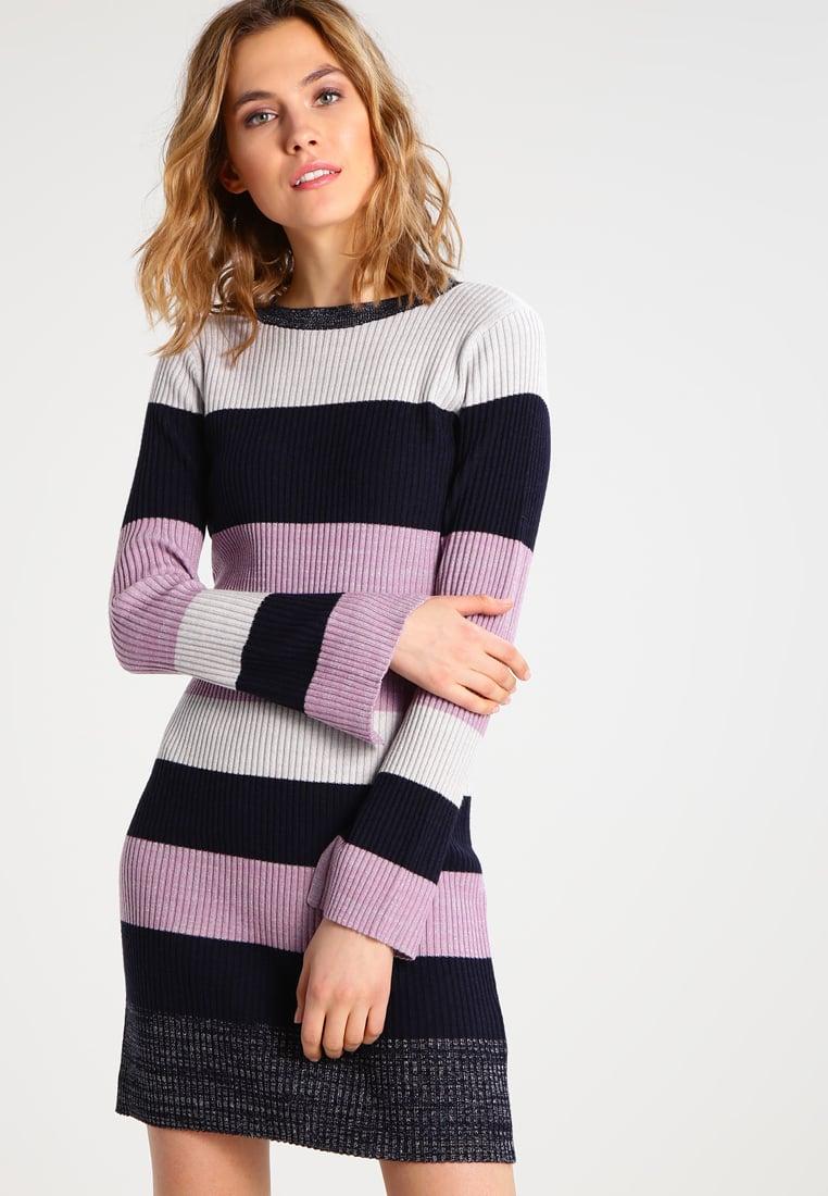 Платье лапша вязаное