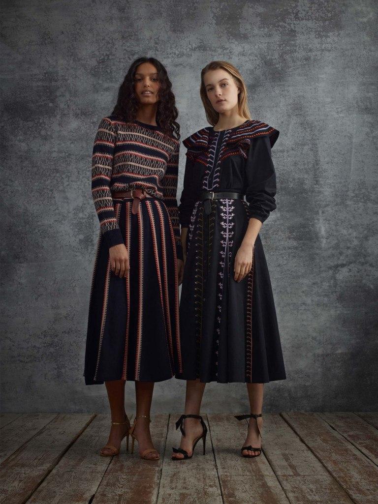 Платье вязаное миди