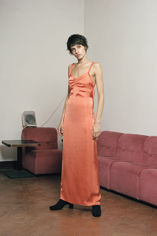 Шелковое платье оранжевое