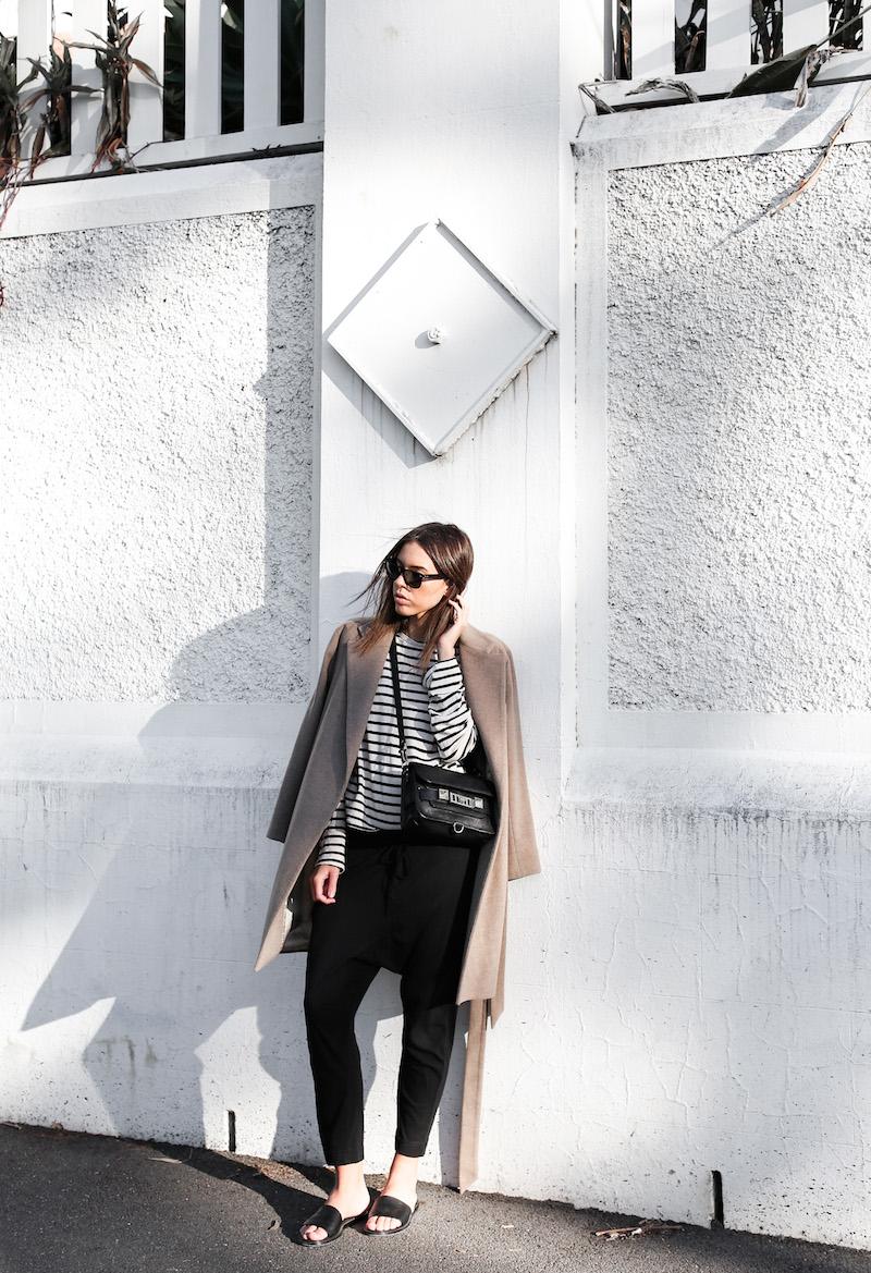 Лонгслив женский с пальто