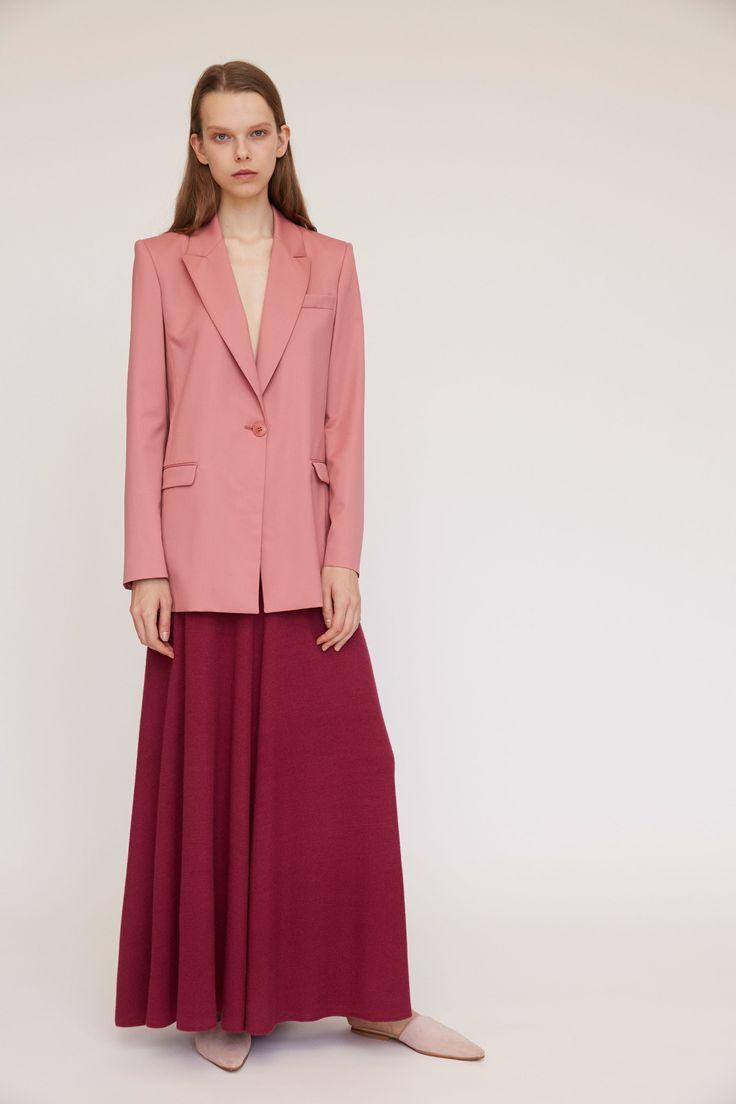 Платье пиджак пастельного тона