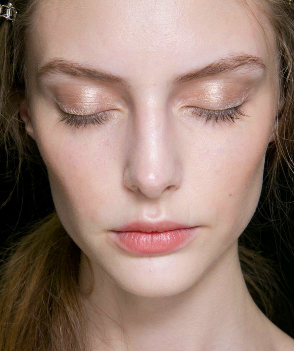 Нюдовый макияж перламутровый