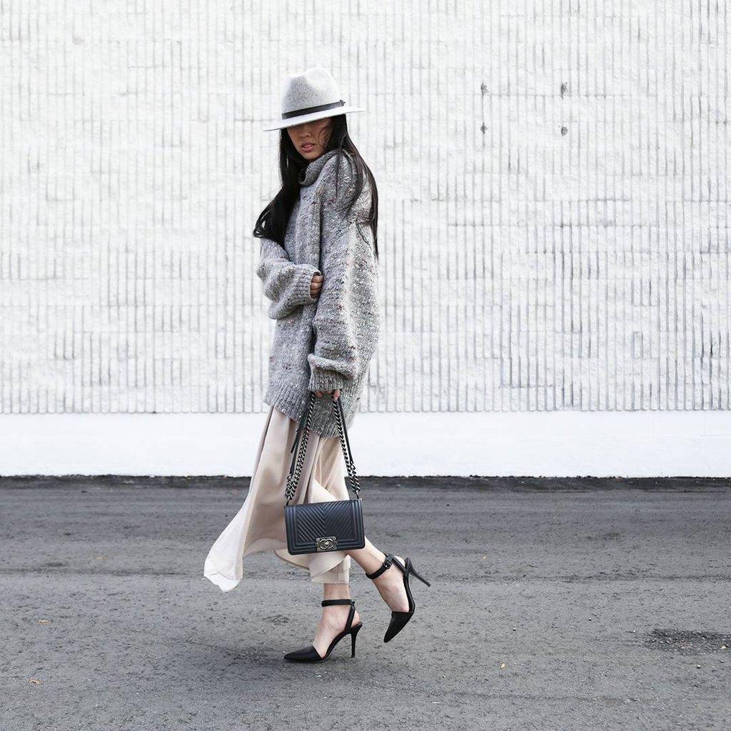 Платье вязаное на выход