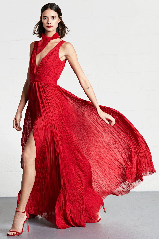 Платье с разрезом плиссе