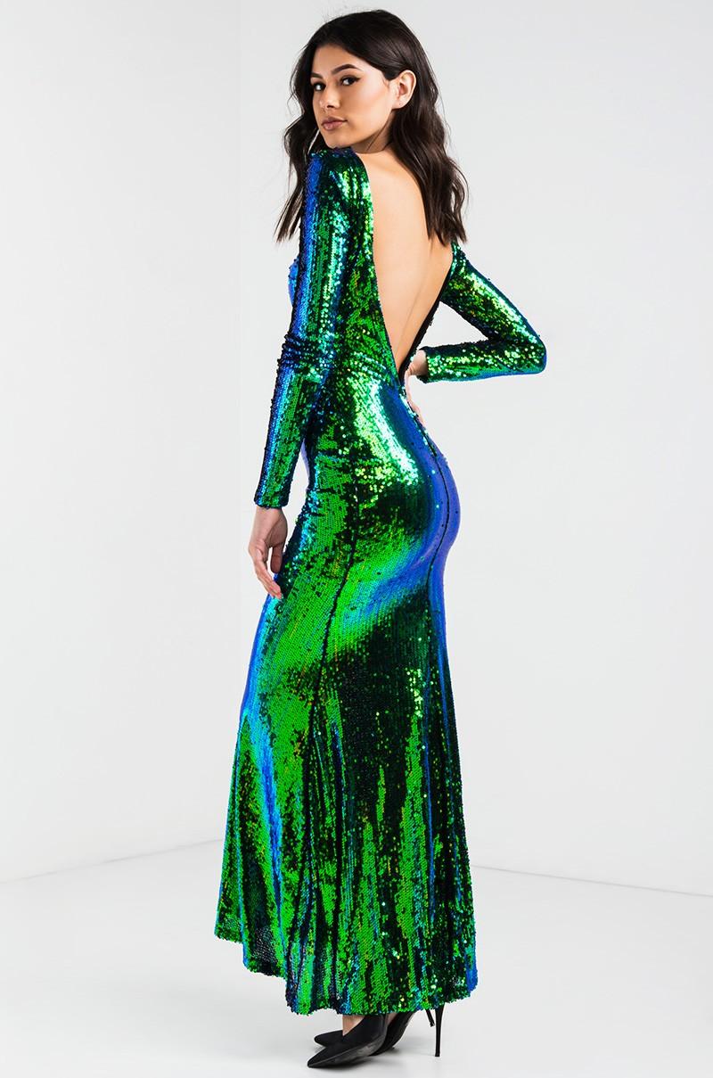 Платье с открытой спиной в пол