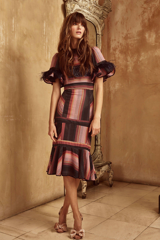 Платье футляр повседневное с принтом