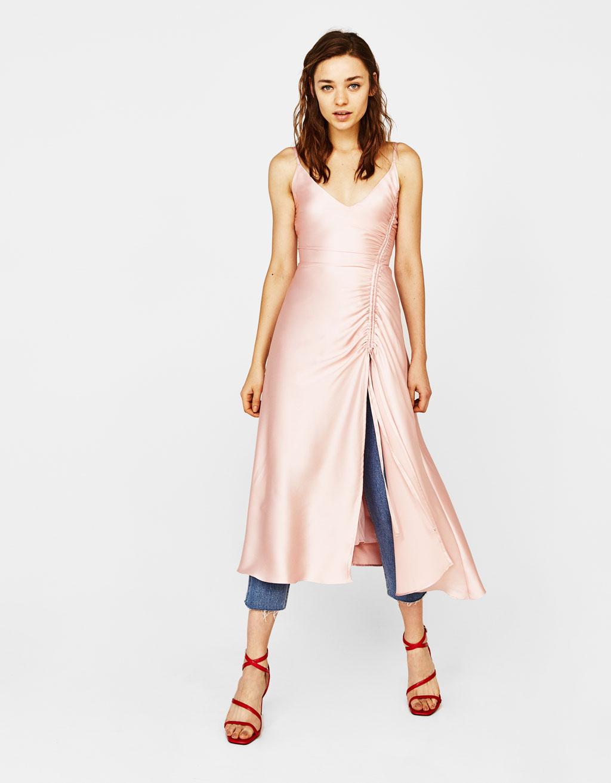 Шелковое платье пудровое
