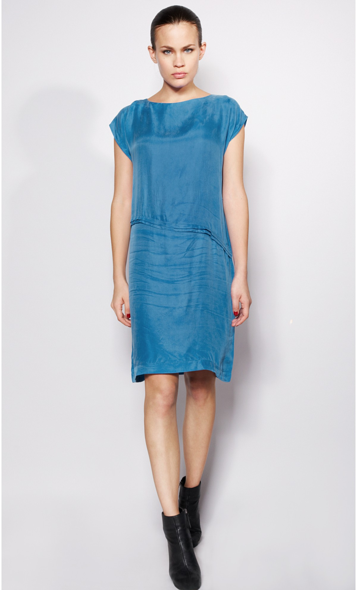 Шелковое платье прямое