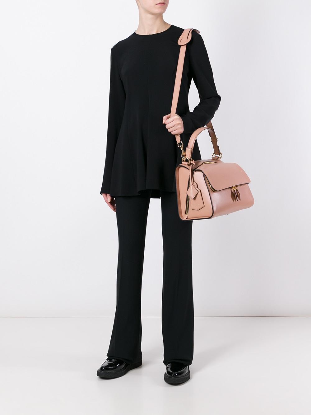 Классическая сумка розового цвета