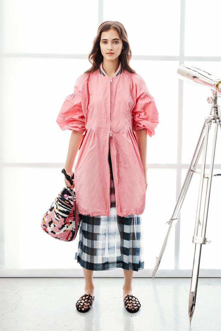 Платье пиджак розовое с объемными рукавами