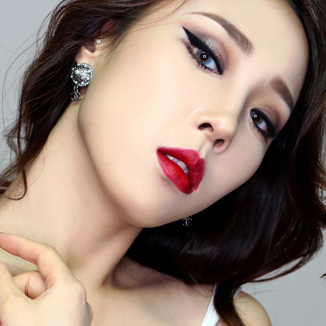 Корейский макияж серебряный
