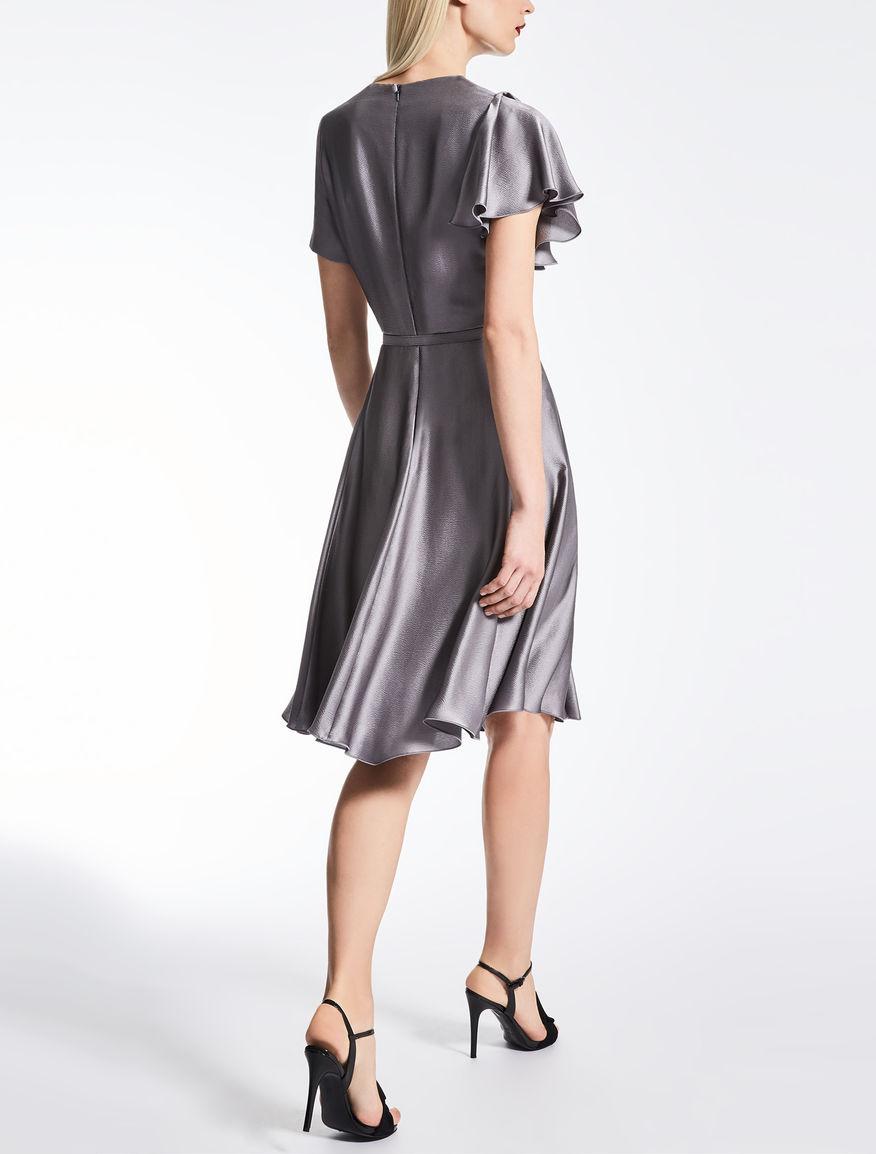 Шелковое платье серебряное