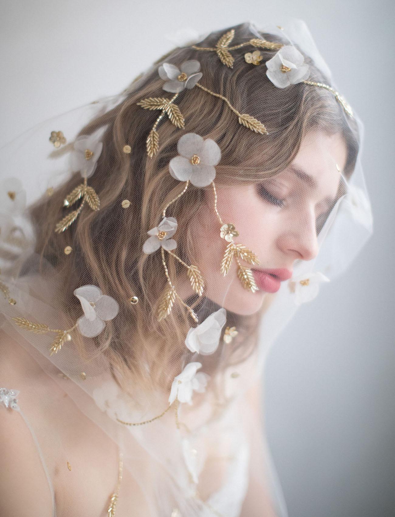 Свадебная прическа 2018 с сеткой