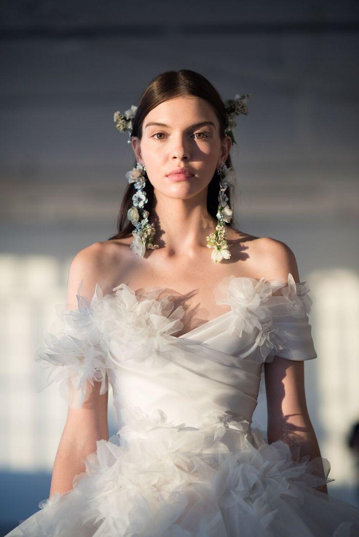 Свадебная прическа 2018 современная