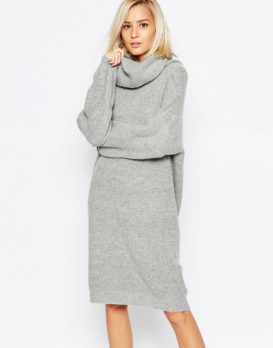 Платье вязаное светло-серое