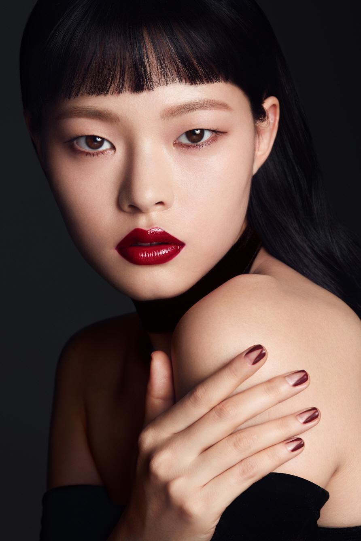 Корейский макияж вечерний с тональной основой