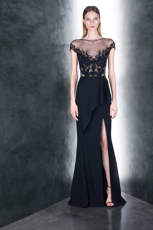 Платье с разрезом и баской