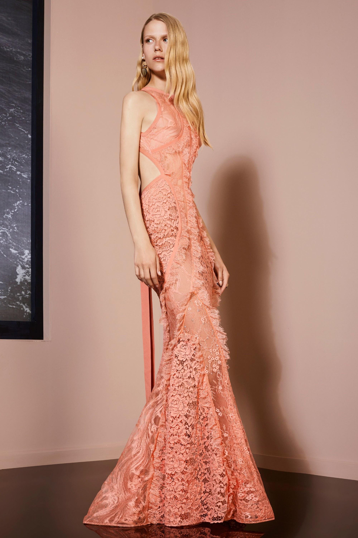 Платье с открытой спиной вечернее