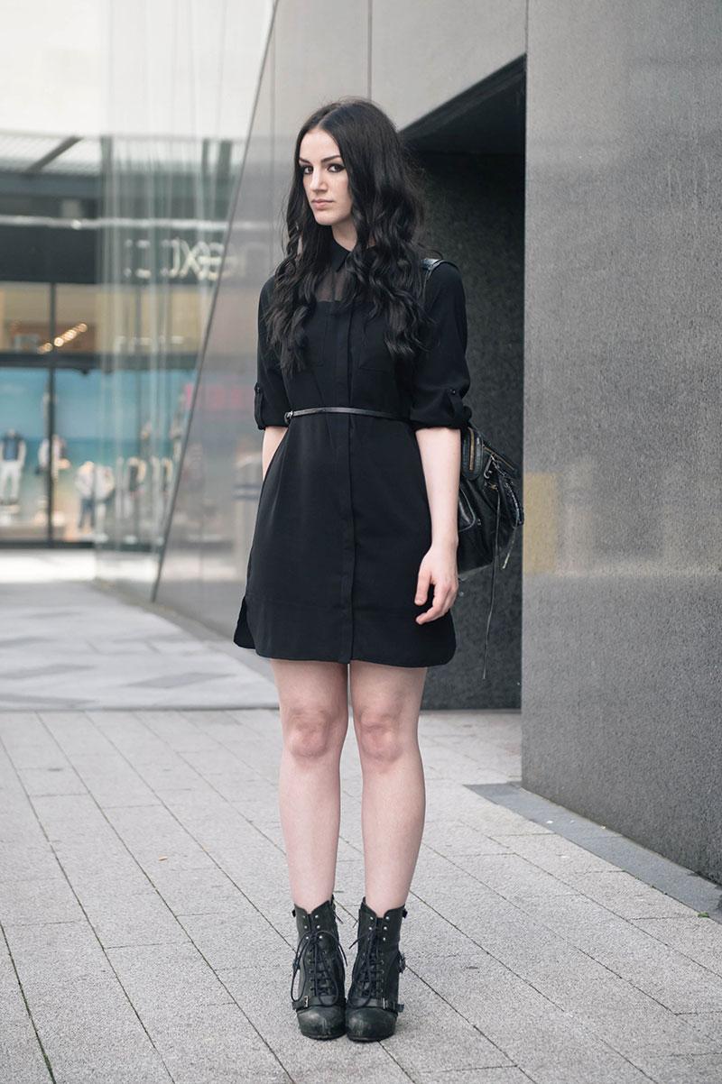 Платье футляр с воротником черное