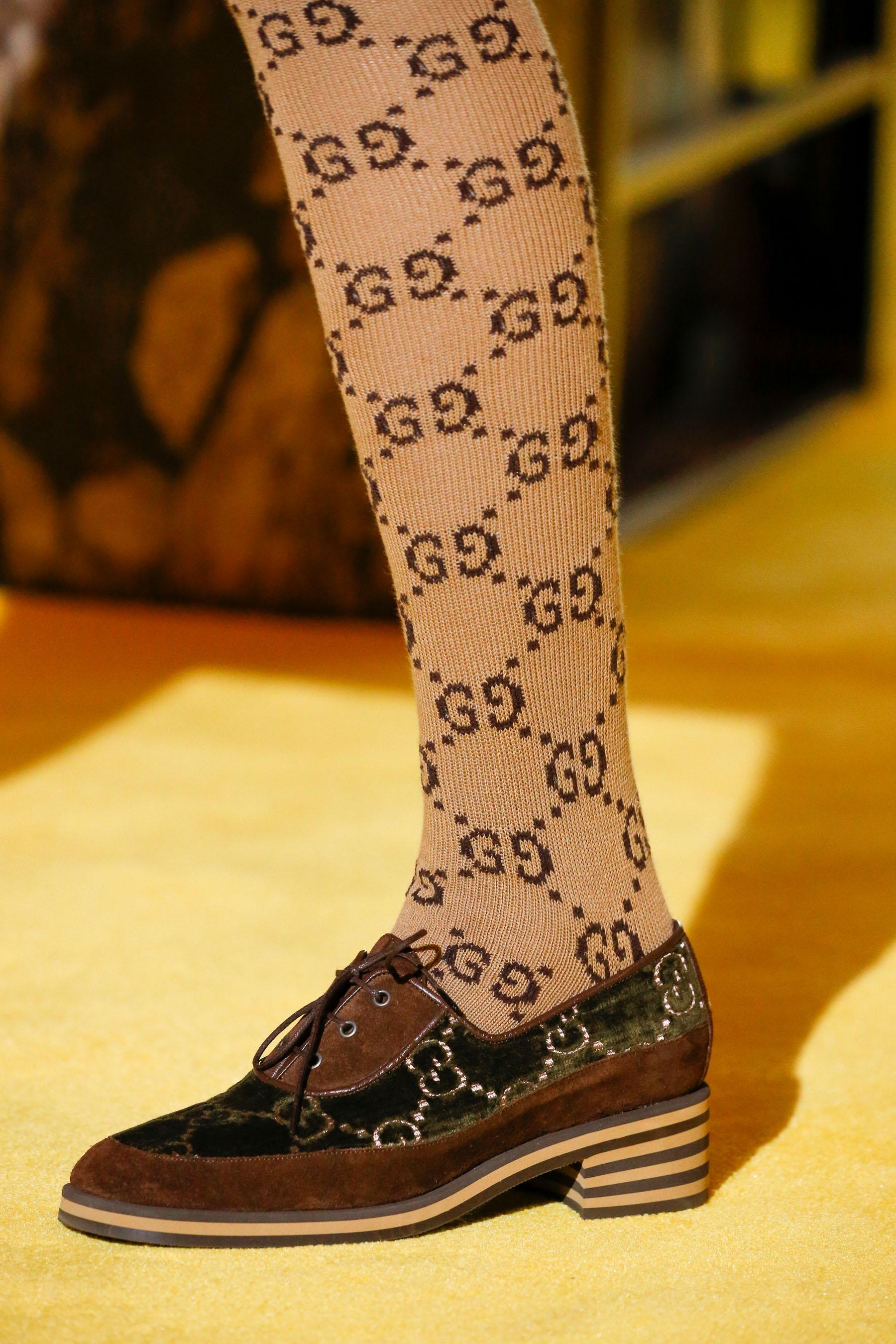 Коричневые ботинки с замшевыми вставками