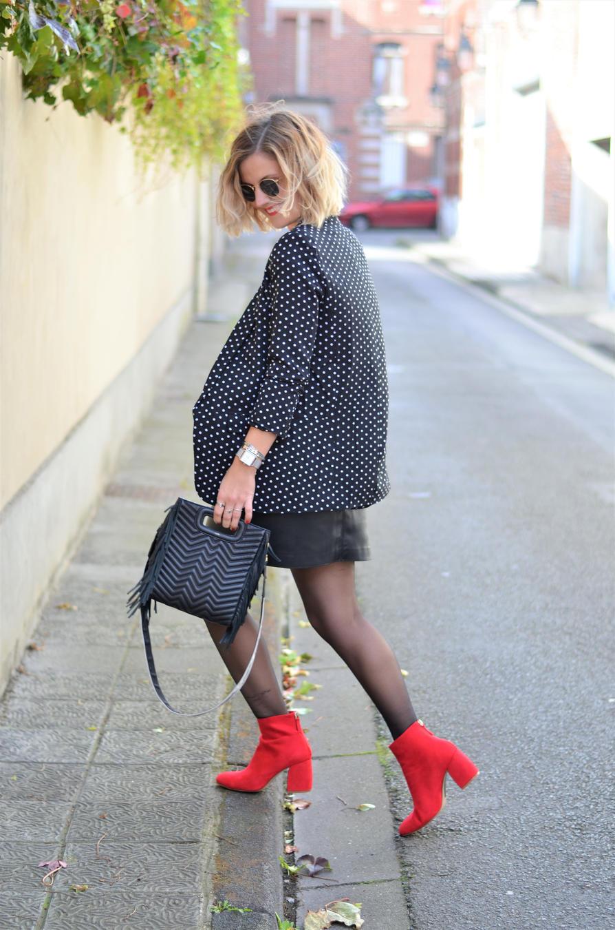 Красные ботинки замшевые