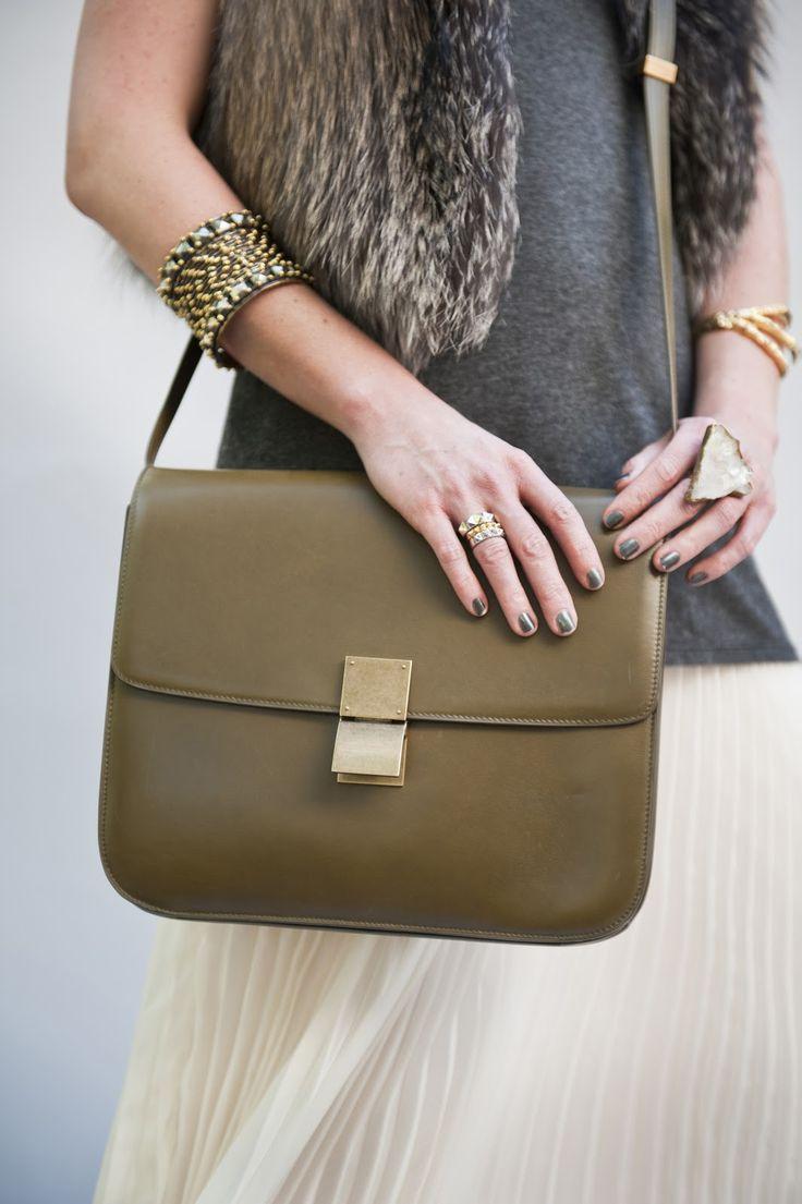 Классическая сумка зеленая