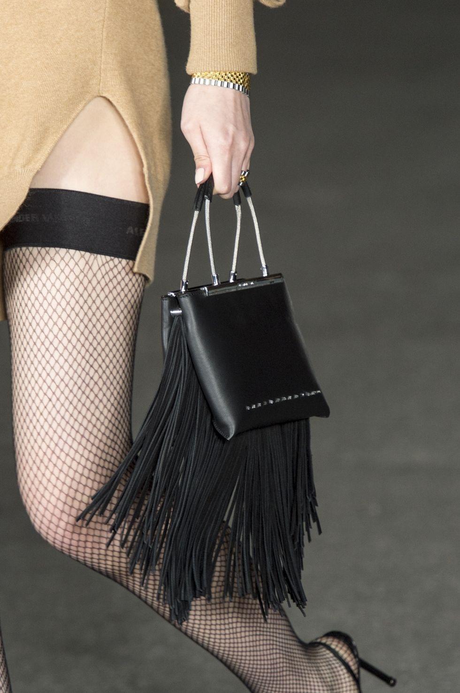 Кожаная сумка женская с бахромой