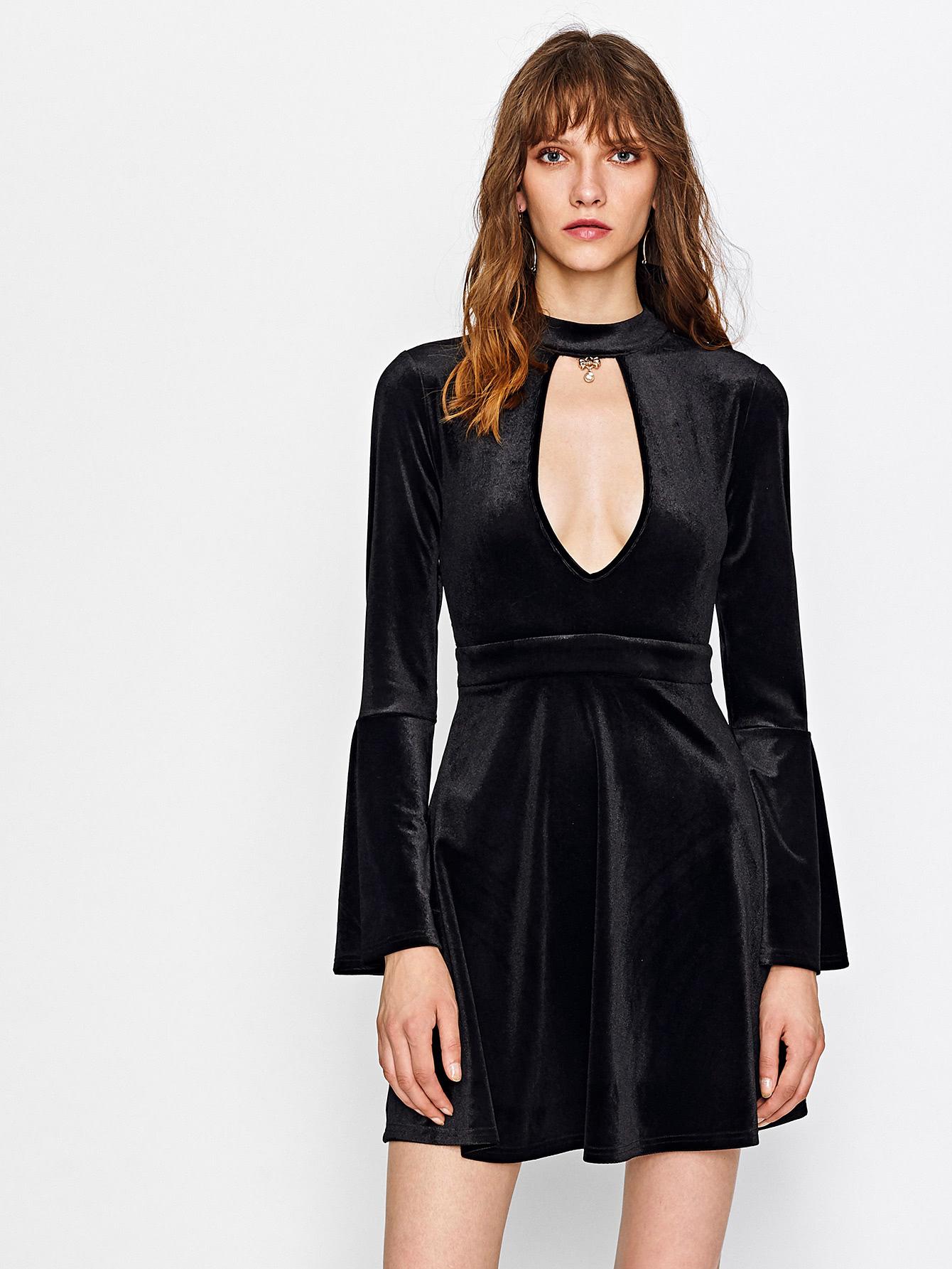 Расклешенное платье бархатное