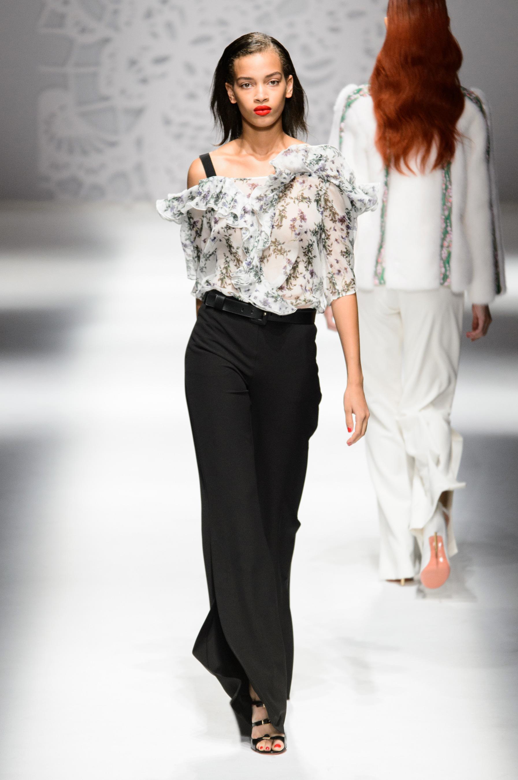 Blumarine весна лето 2018 блузка