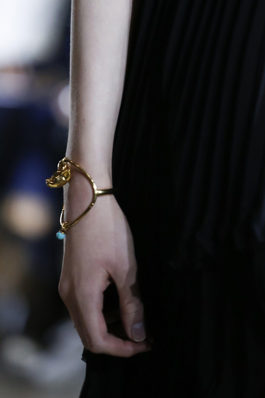 Givenchy весна лето 2018 браслеты