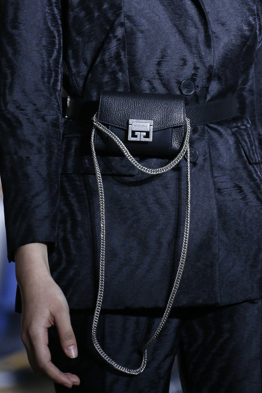 Givenchy весна лето 2018 сумка на цепочке