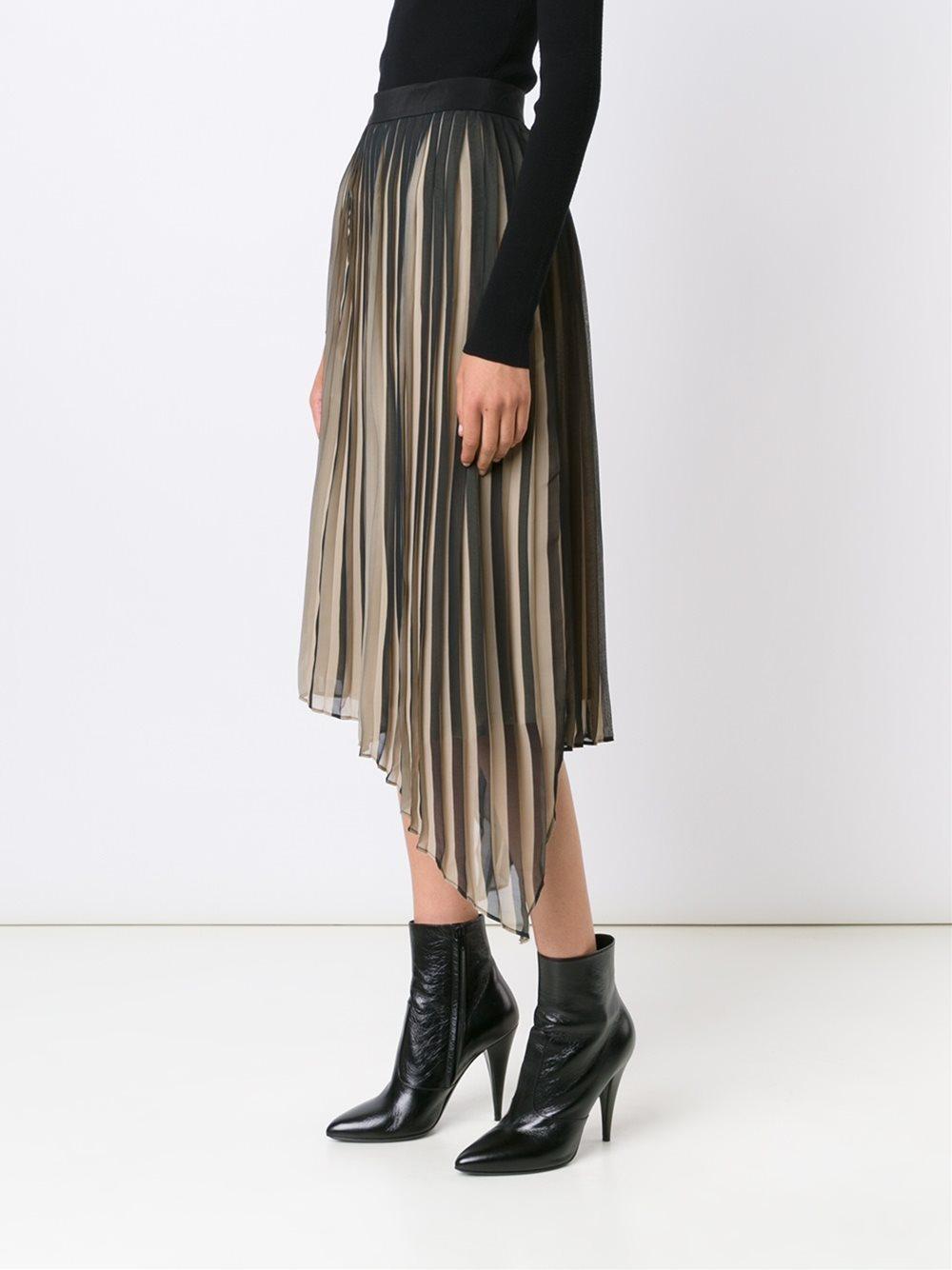 Бежевая юбка с черным