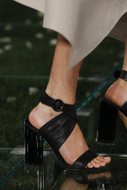 Salvatore Ferragamo весна лето 2018 черные туфли