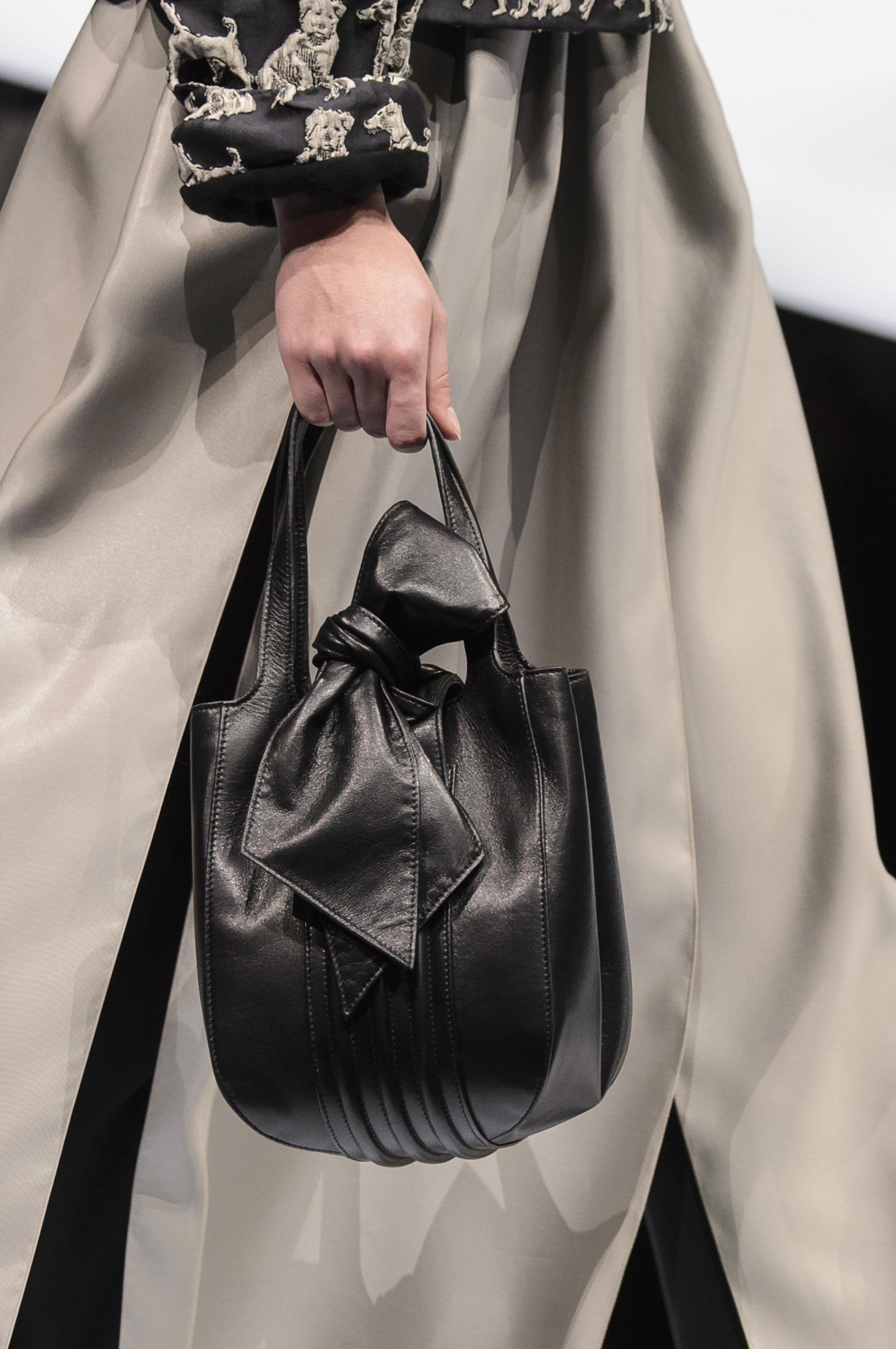 Кожаная сумка женская черная