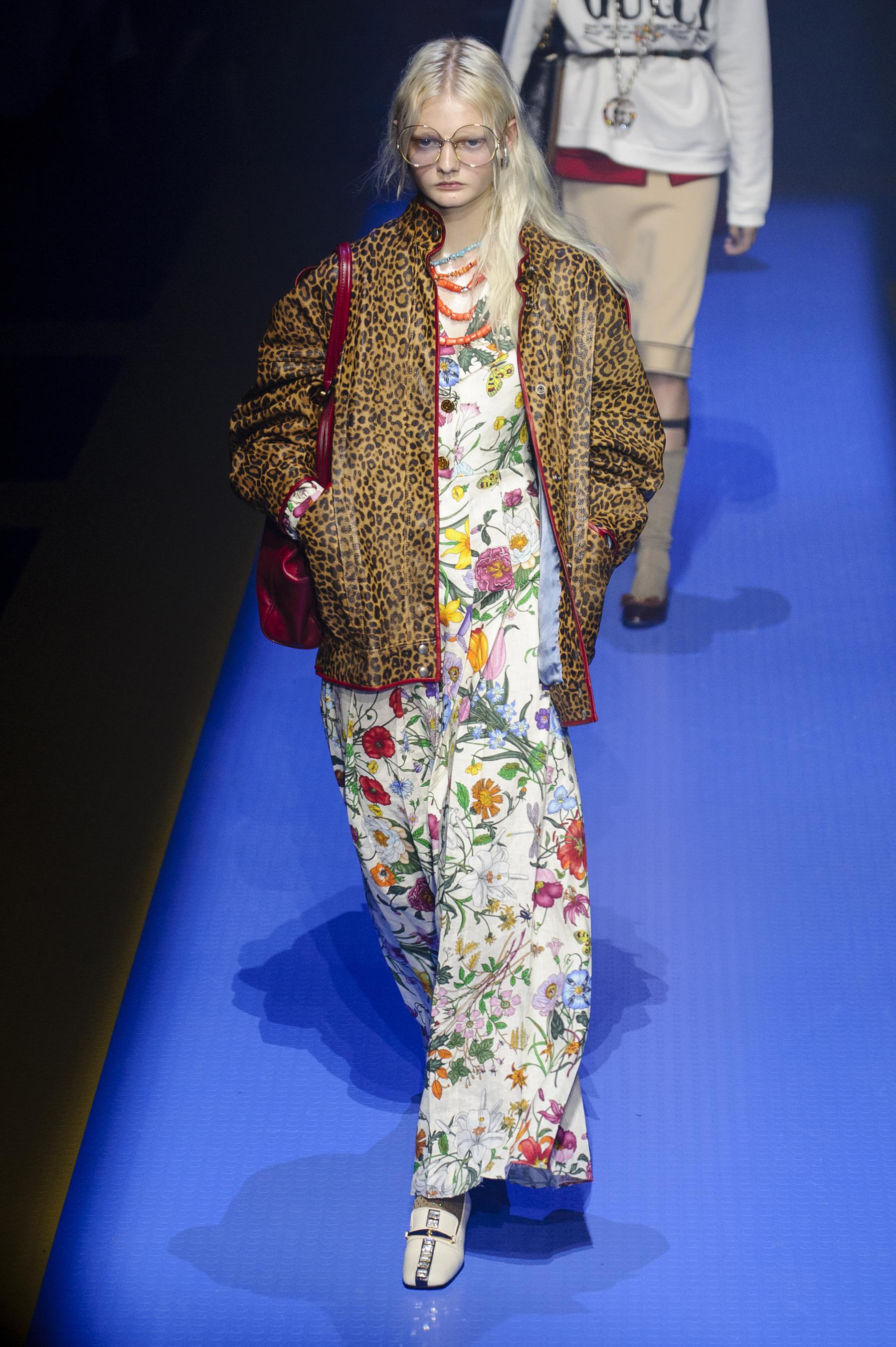 Gucci весна лето 2018 цветочное платье