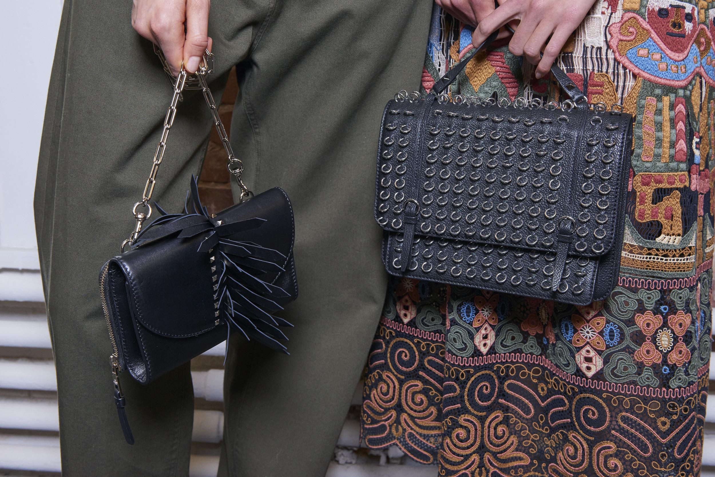 Кожаная сумка женская с декором