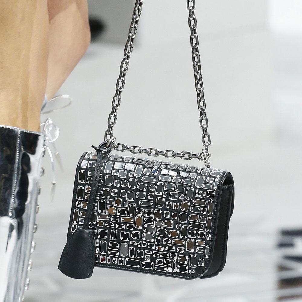 Christian Dior весна лето 2018 сумка с декором
