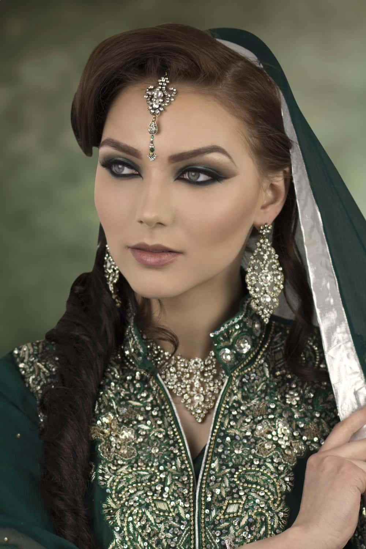 Восточный макияж для девушек