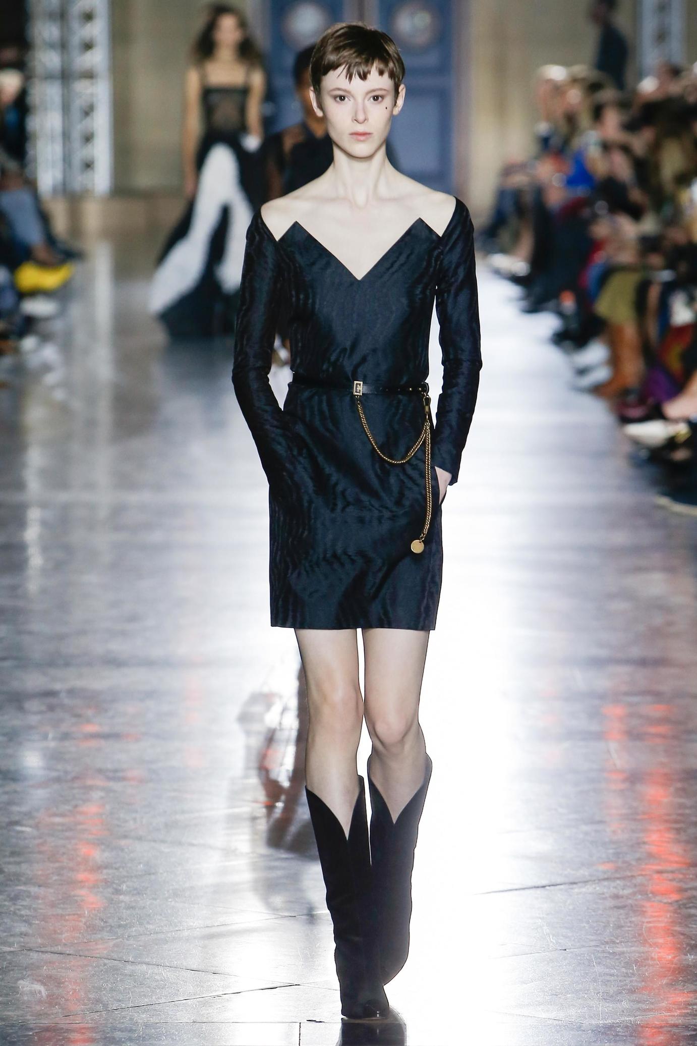 Givenchy весна лето 2018 фактурное платье