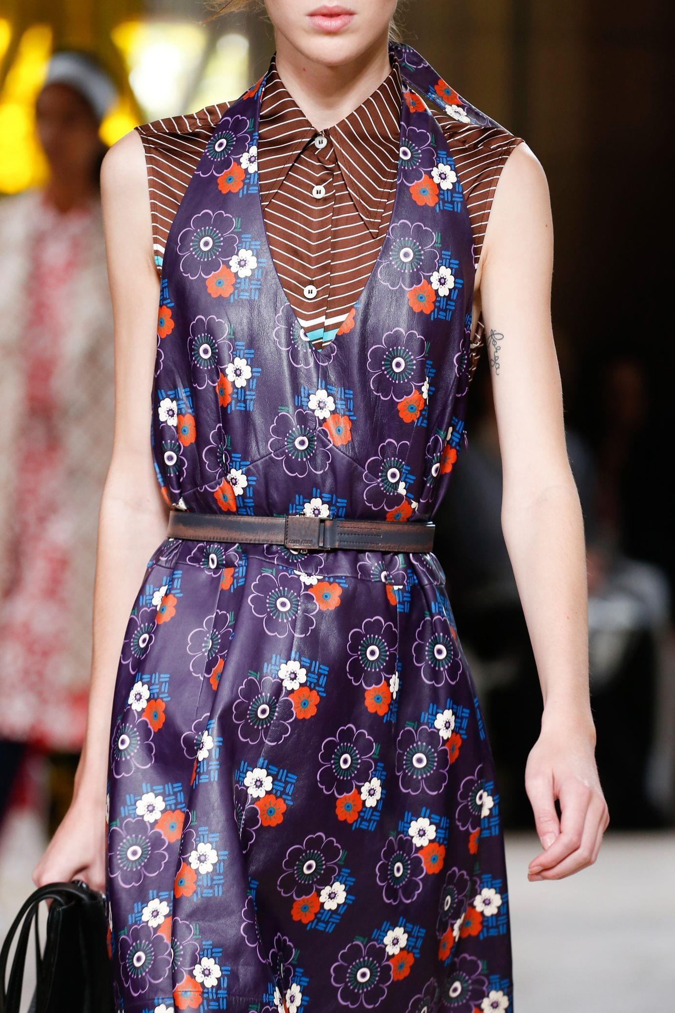Miu miu весна лето 2018 фиолетовое платье
