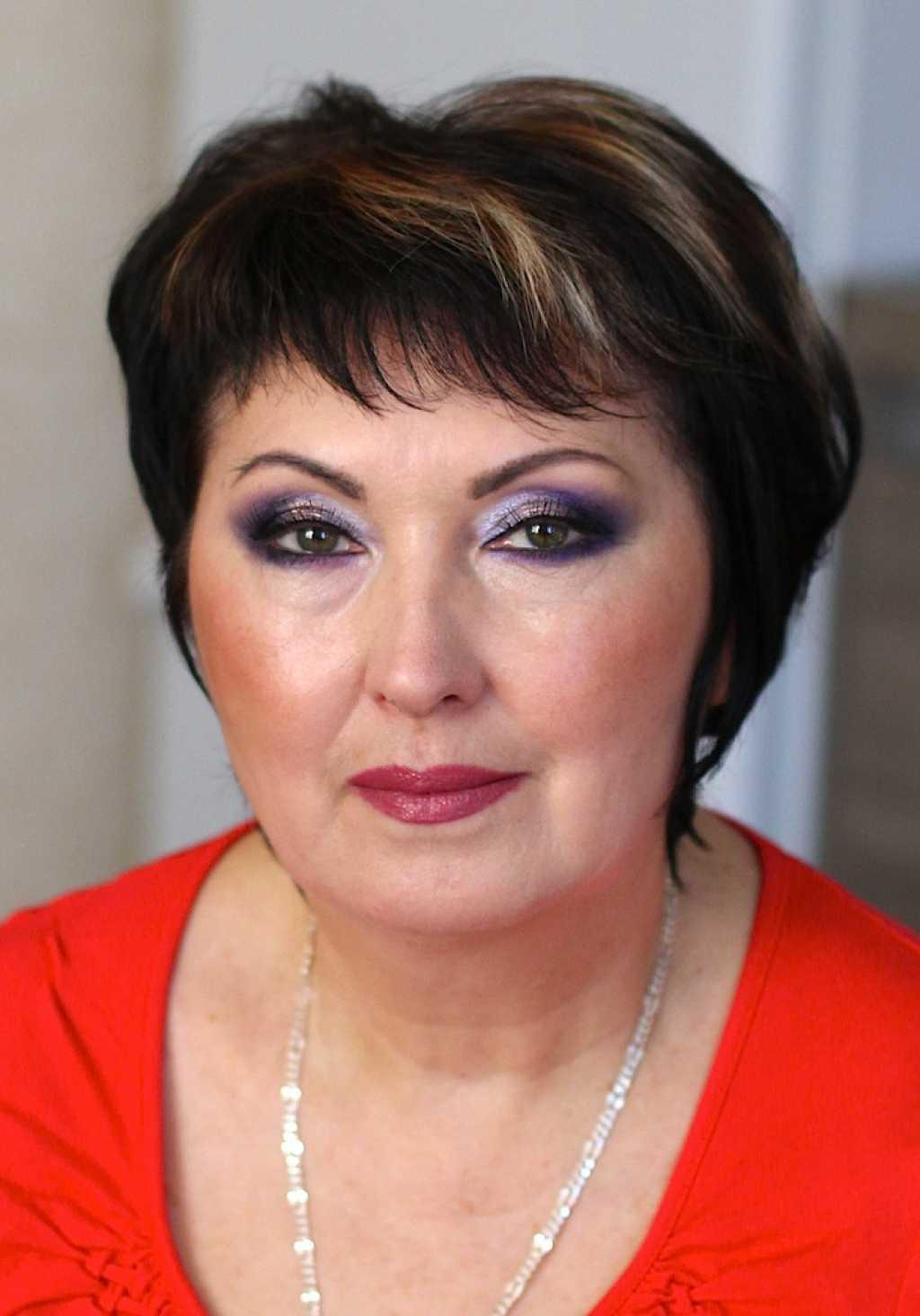 Возрастной макияж фиолетовый