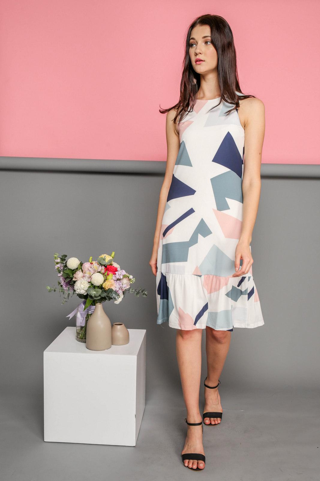 Платье миди с геометрическим абстрактным рисунком