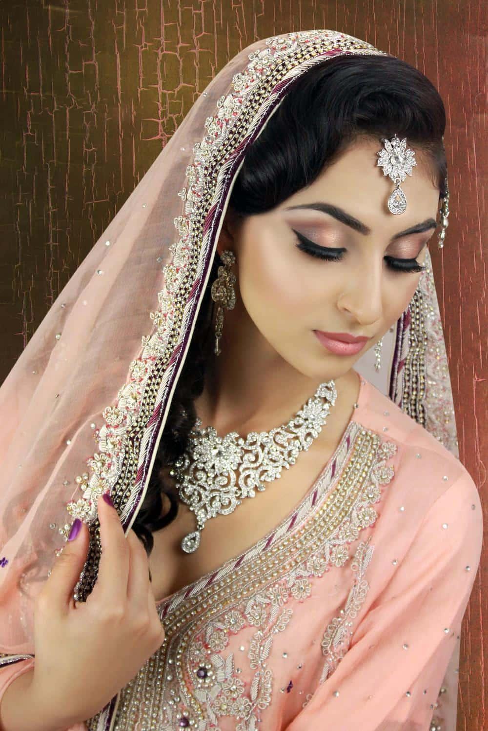 Восточный макияж индийский