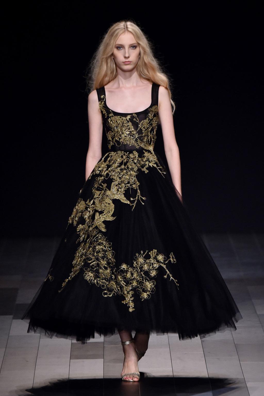 Платье с фатином колокол