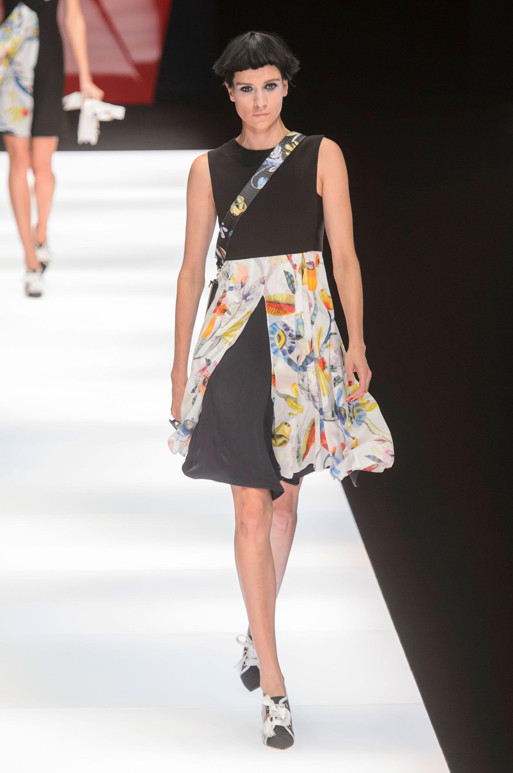 Giorgio Armani весна лето 2018 комбинированное платье